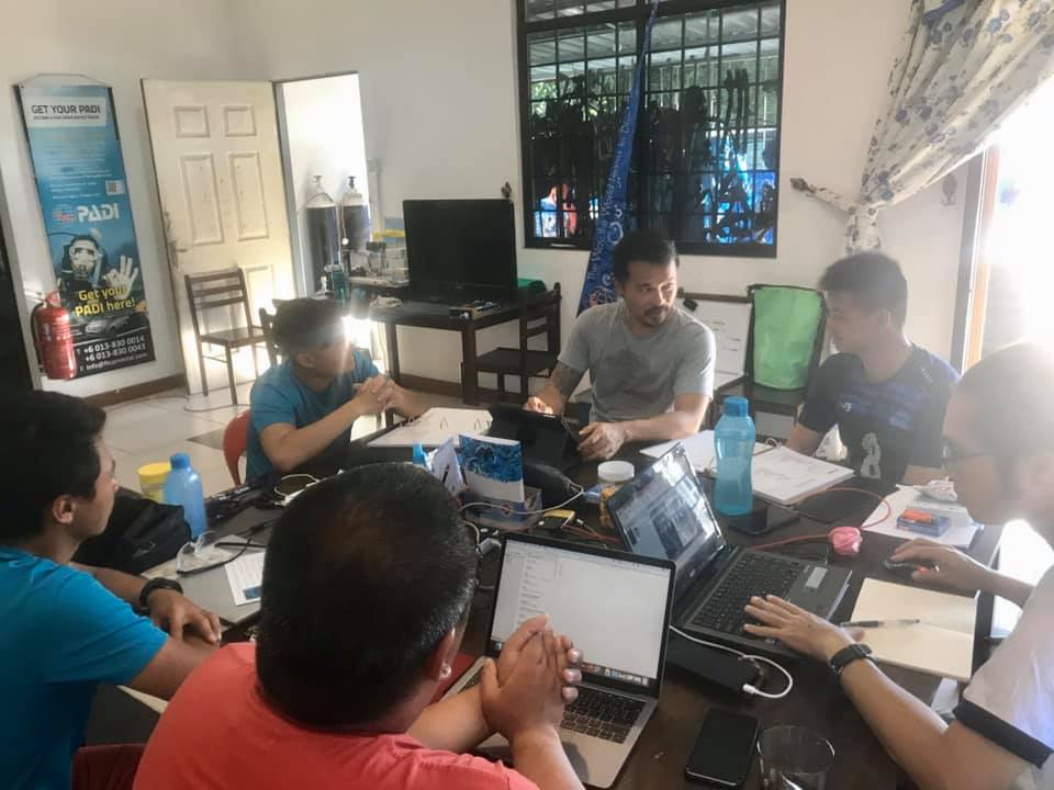 PADI Course Director Johnny Chew, PADI Course Director Sam Ong & PADI Course Director Le Tan Jia conducting IDC to local Kota Kinabalu Candidates at Dive Borneo Bah.